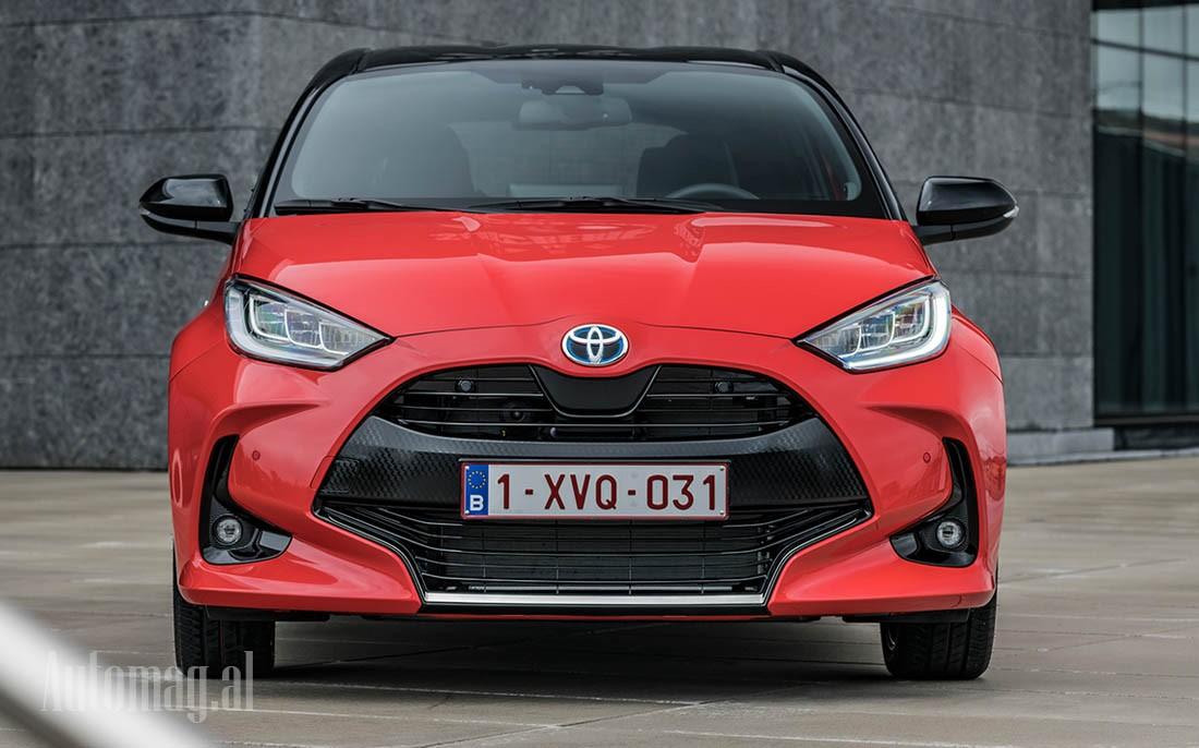 Toyotta Yaris 2020 (Hybrid) 01
